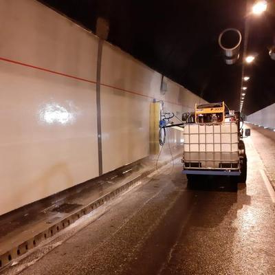 Reinigung des Rendsburger Straßentunnels